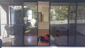 Sliding door repairs services